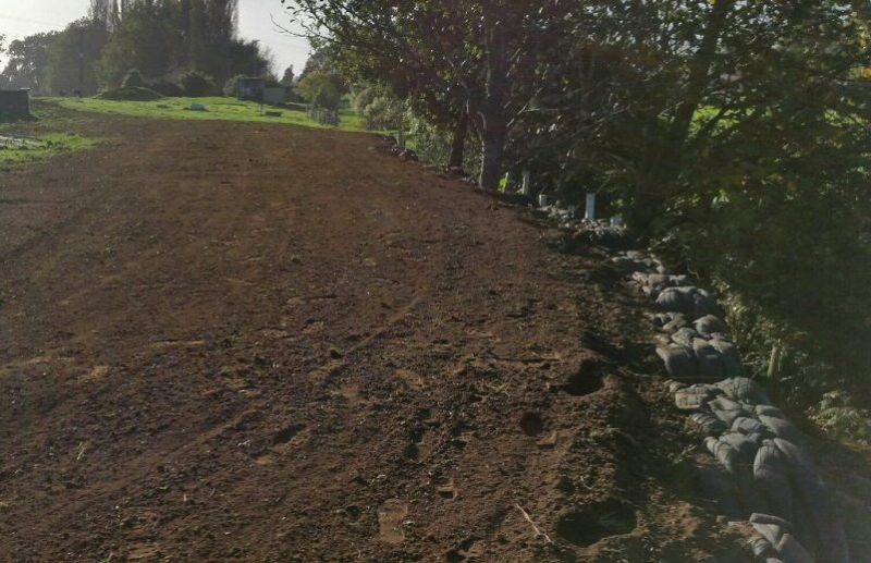 Tyre Uses Retaining Walls Artificial Grass